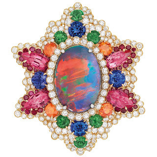 Dear-Dior-Dentelle-Opale-dOrient-ring_ft1fv81
