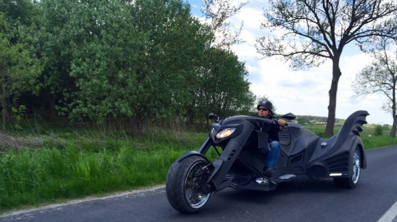 Polish-company-Game-Over-Cycles-creates-three-wheeled-Batman-Motorcycle-3