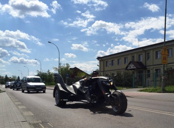 Polish-company-Game-Over-Cycles-creates-three-wheeled-Batman-Motorcycle-7