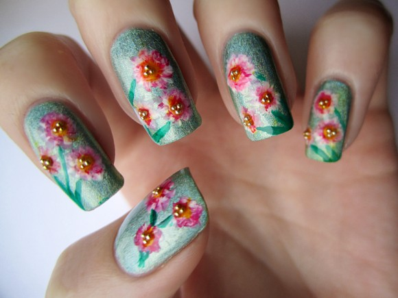 color-club-angel-kiss-spring-flowers-nail-art-4