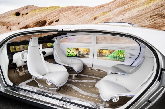 mercedes-benz-f015-luxury-in-motion-concept-2015-consumer-electronics-show_100495722_h