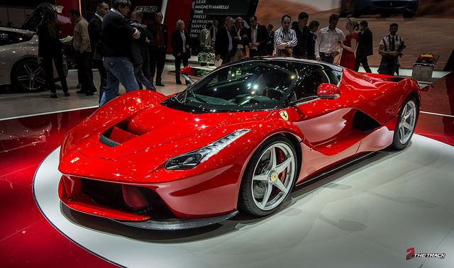 Ferrari-LaFerrari-world-debut-at-the-Geneva-Motor-Show (1)