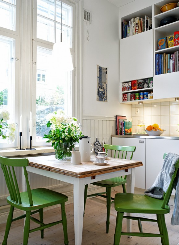 small-kitchen-dining