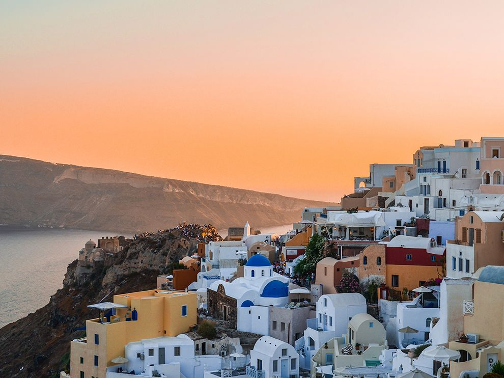 oia-sunset-scene_94145_990x742