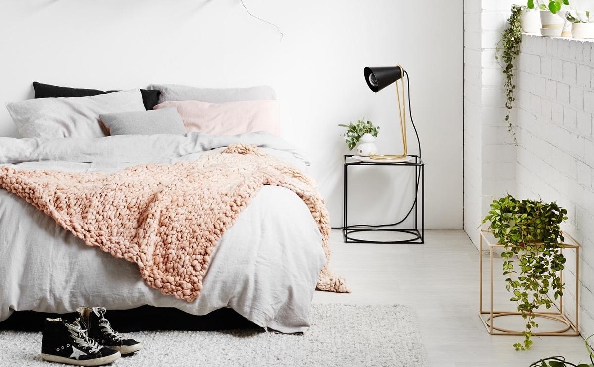 divian arts. Black Bedroom Furniture Sets. Home Design Ideas