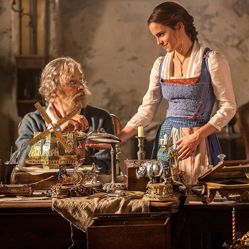 belle-gold-dress-emma-watson-beauty-and-the-beast-11-1