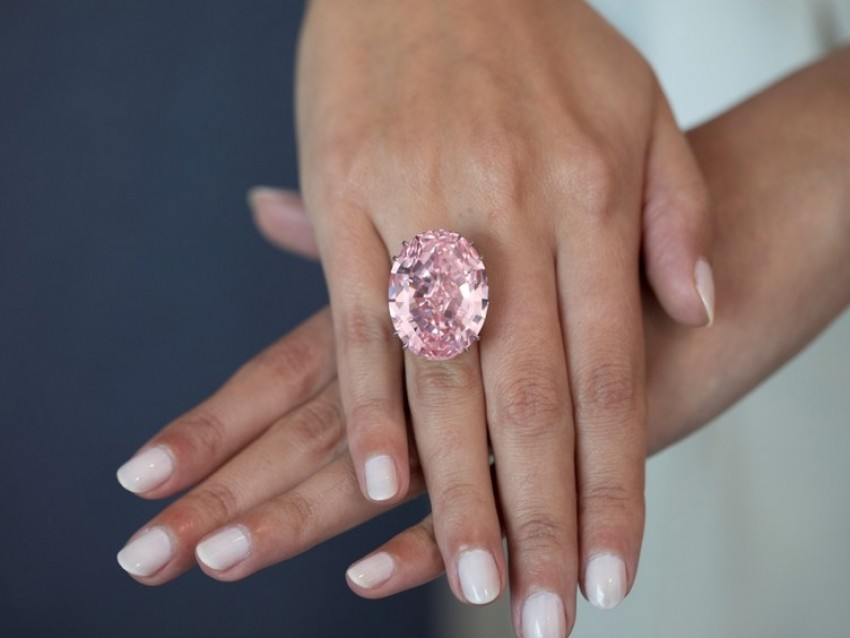Pink Star    може да биде најскапиот прстен со дијамант на светот