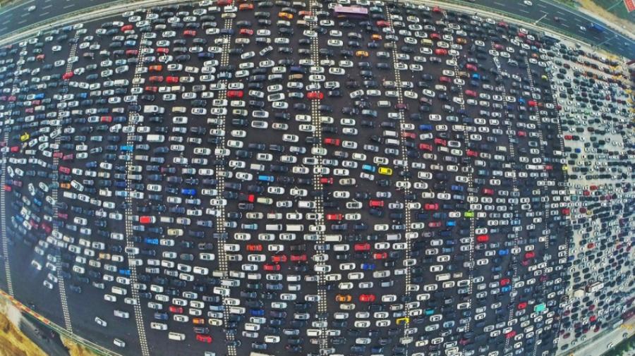 Најголем сообраќаен метеж каков досега немате видено