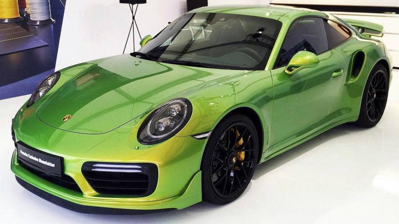 Бојата на ова Porsche 911 Turbo е поскапа од автомобилот