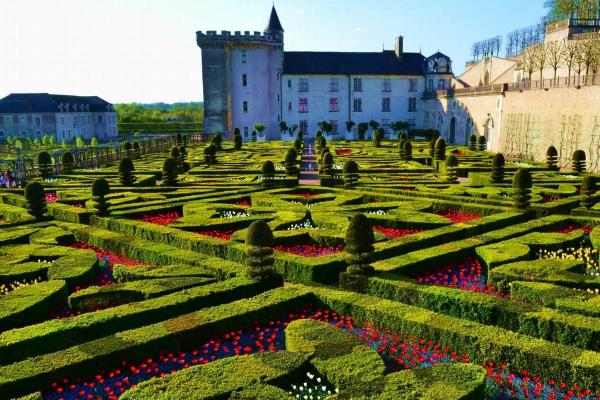 Замокот Аmboise – бајка на реката Loire!