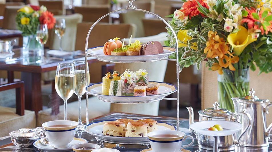 Попладневен чај со тема на луксузниот накит Van Cleef!