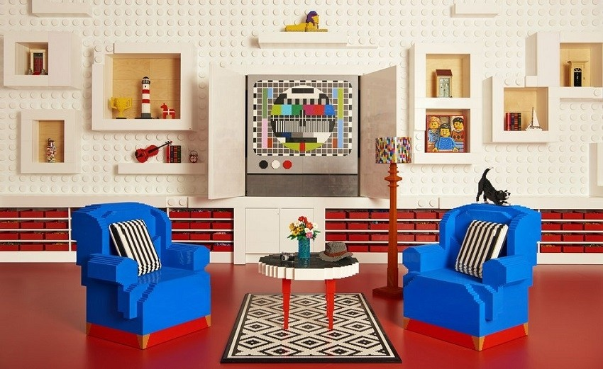 Исполнете го својот сон и преспијте во вистинска Lego куќа!