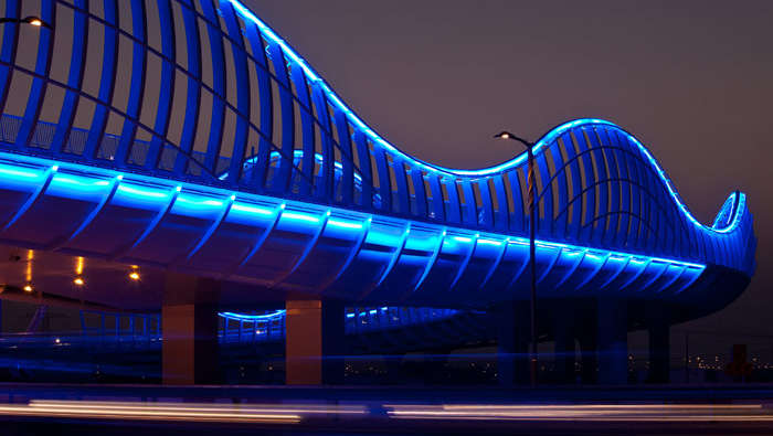 Meydan-Bridge-led-blue-light-3 (1)