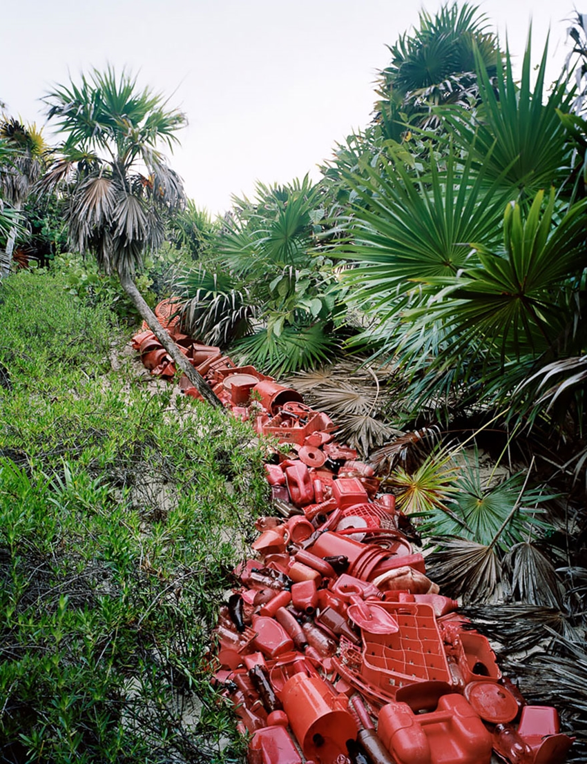 washed-up-trash-installations-alejandro-duran-11-3-880