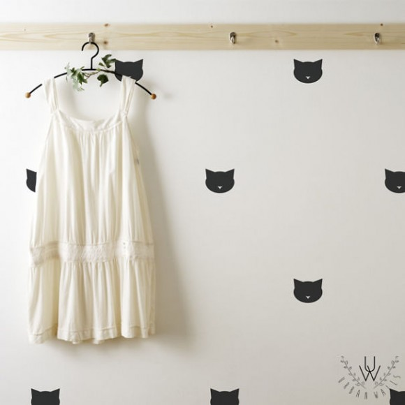 Eye-Deceiving-Ghostly-Silhouettes-That-Make-Your-Wall-Full-of-Magic5__605
