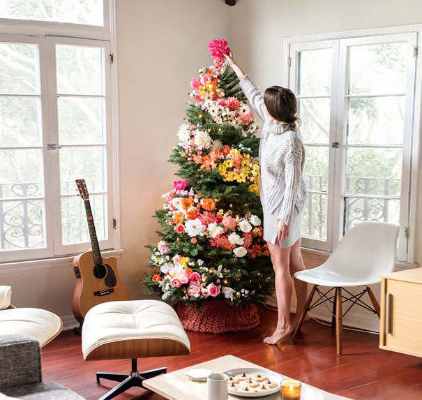 floral-christmas-tree-decorating-ideas-1-2