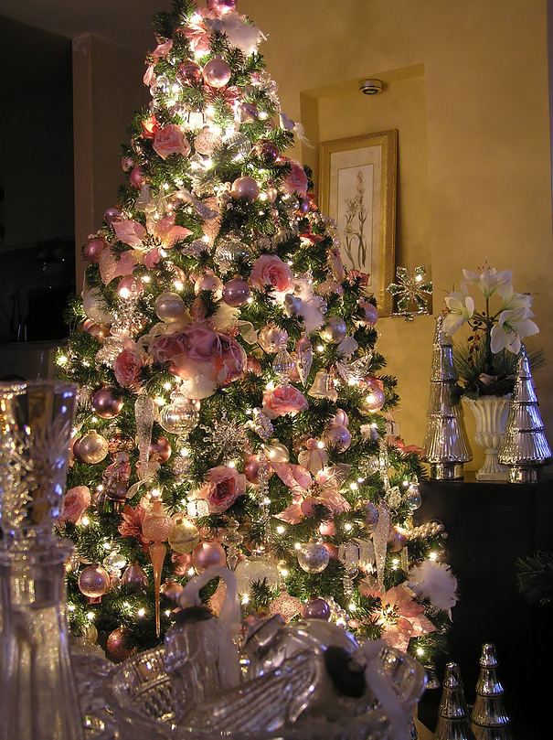 floral-christmas-tree-decorating-ideas-33-605