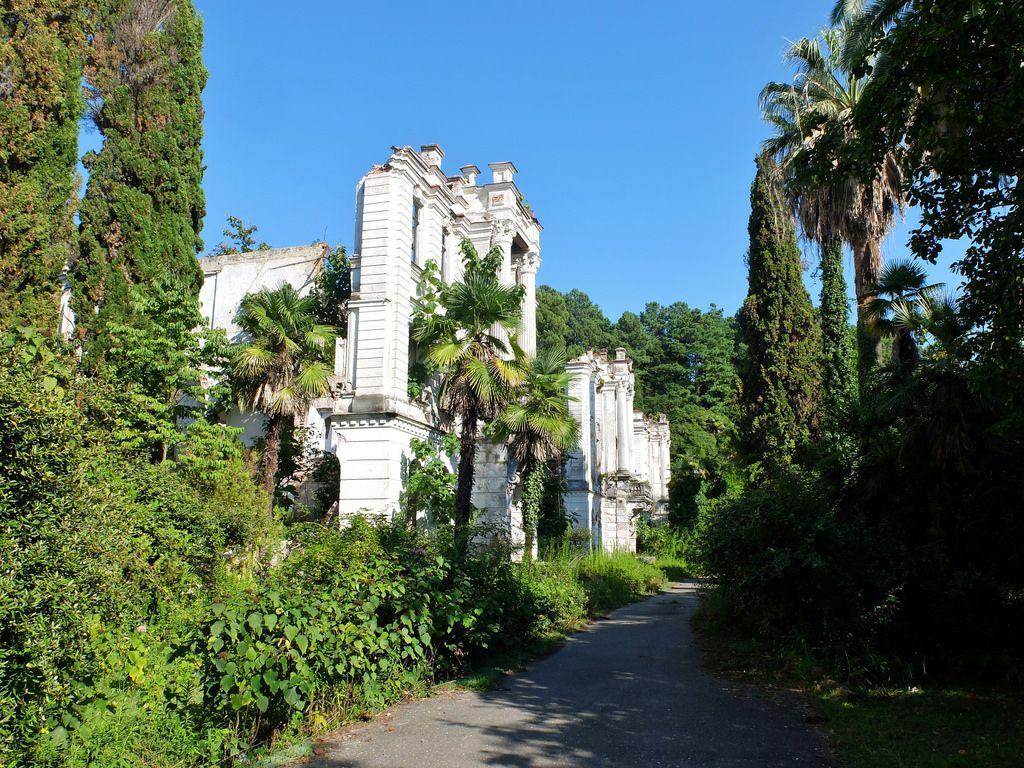 sanatorium-zoloto-abkhazia-abandoned-2