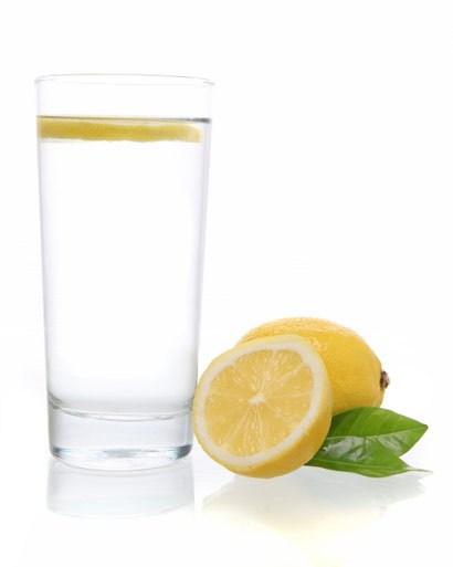 05-water-and-lemon-istockphoto2