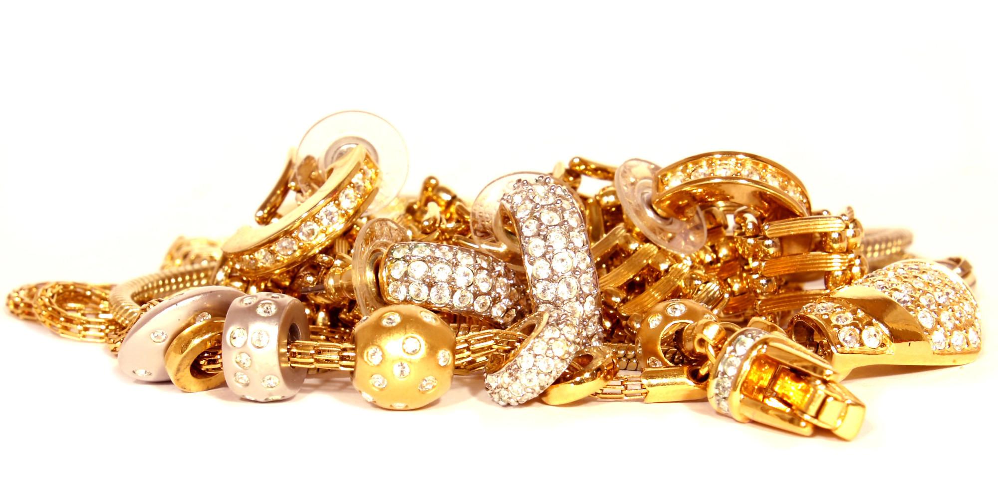 4239784-jewelry
