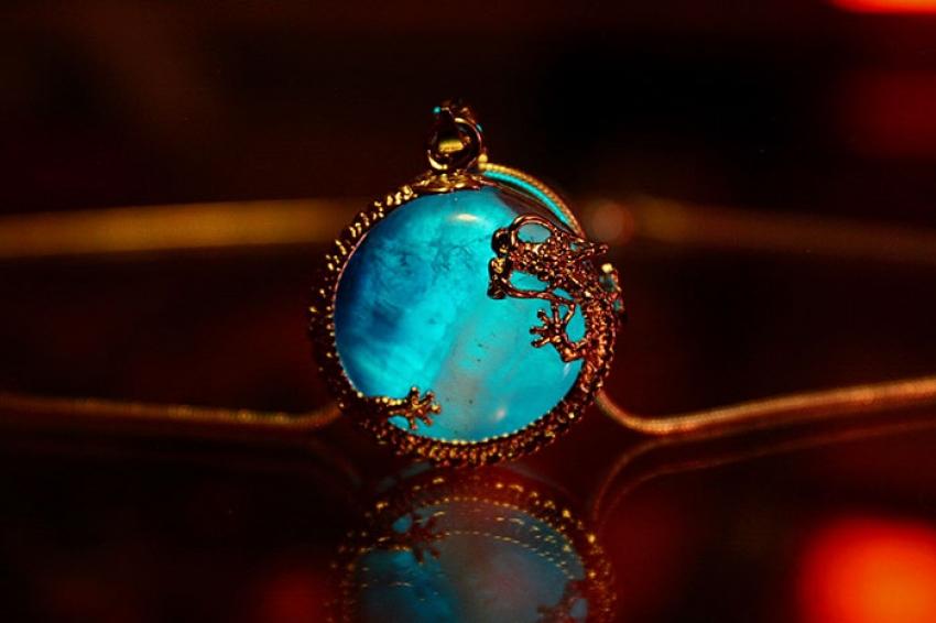 jewelry-glow-in-the-dark-manon-richard-a6