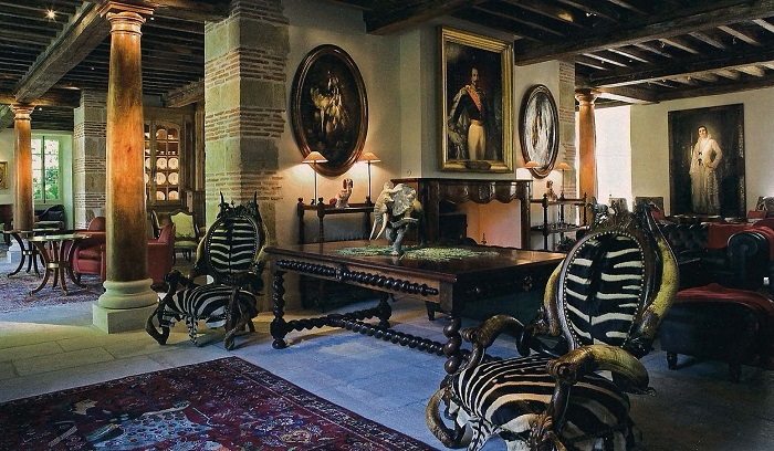 Top-10-houses-with-the-most-expensive-furniture-06