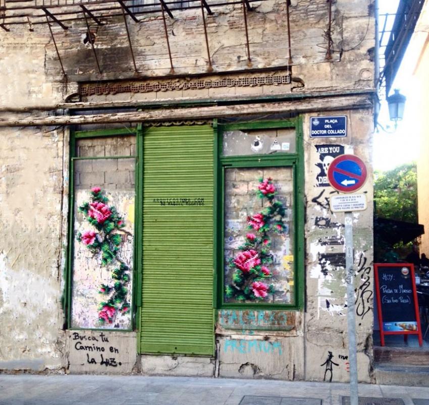 floral-cross-stitch-street-installations-raquel-rodrigo-17