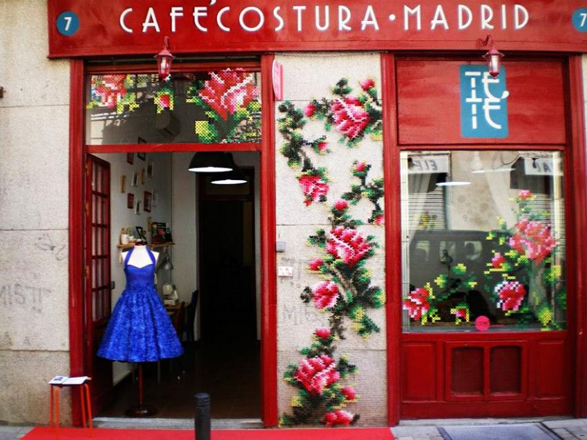 floral-cross-stitch-street-installations-raquel-rodrigo-2-1