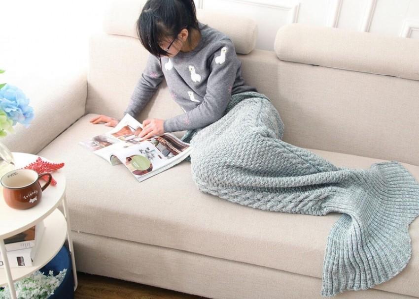blue-mermaid-tail-blanket-designrulz-2