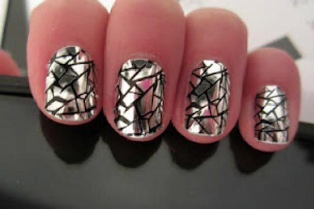 broken-mirror-metallic-nails