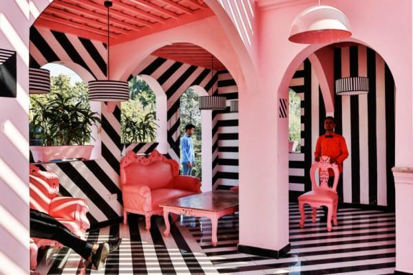 Ресторан  Pink Zebra  инспириран од надреалните филмови на Wes Anderson
